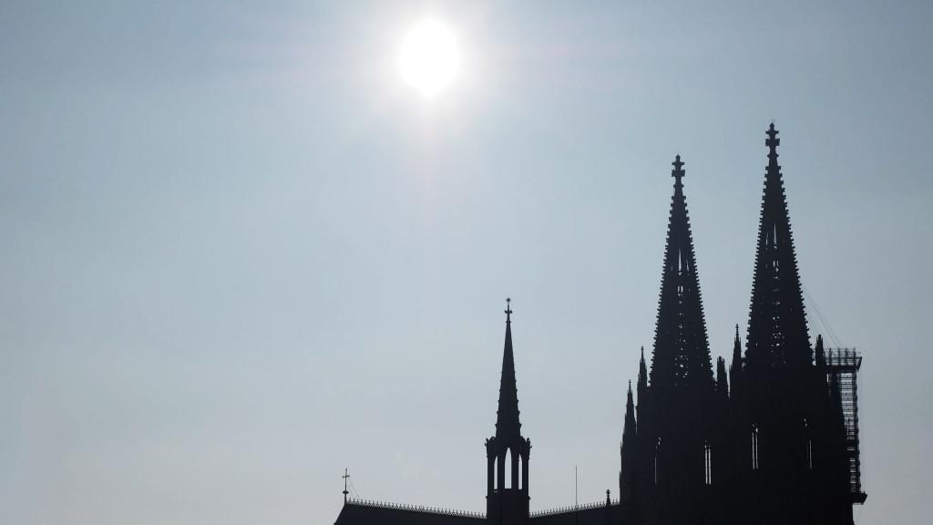 Sonne über dem Dom